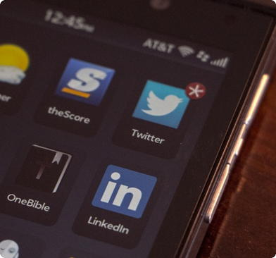Linkedin e Twitter no blackberry