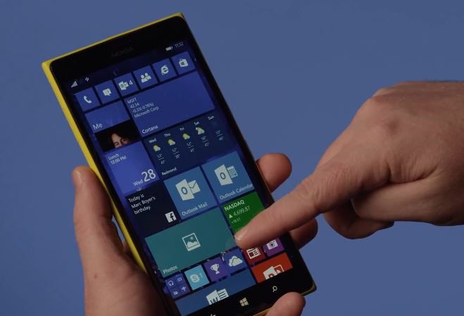 Windows 10 Technical Preview smartphone