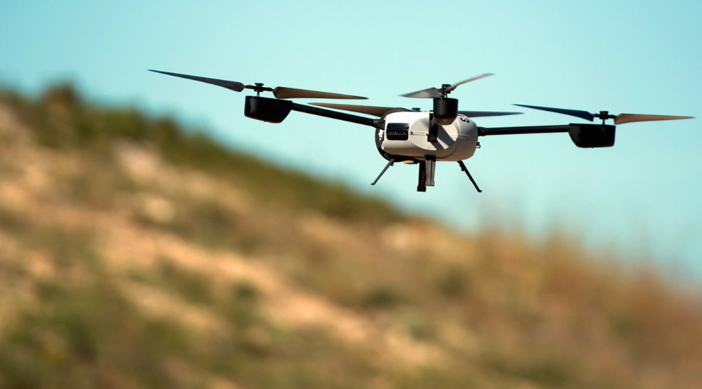 Drones a voarem