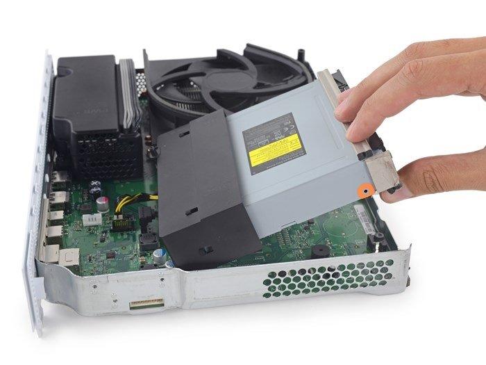 Xbox One S desmontada