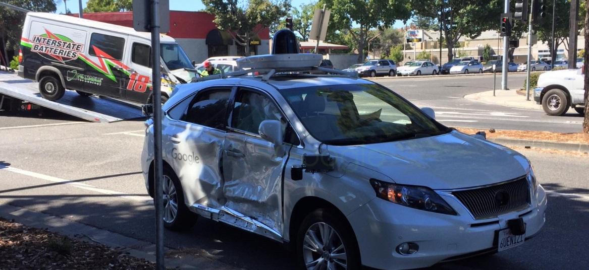 Carro autónomo da Google envolvido em acidente