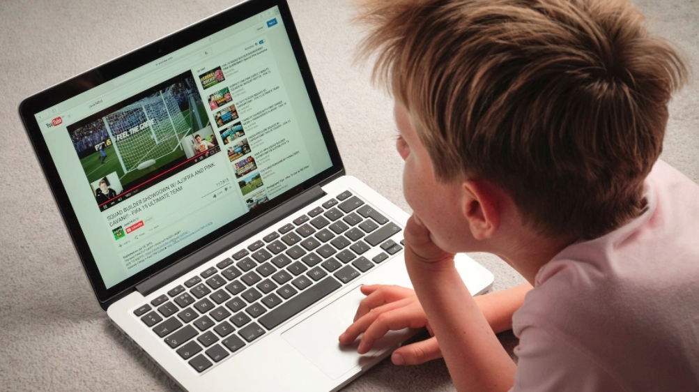 youtube criança
